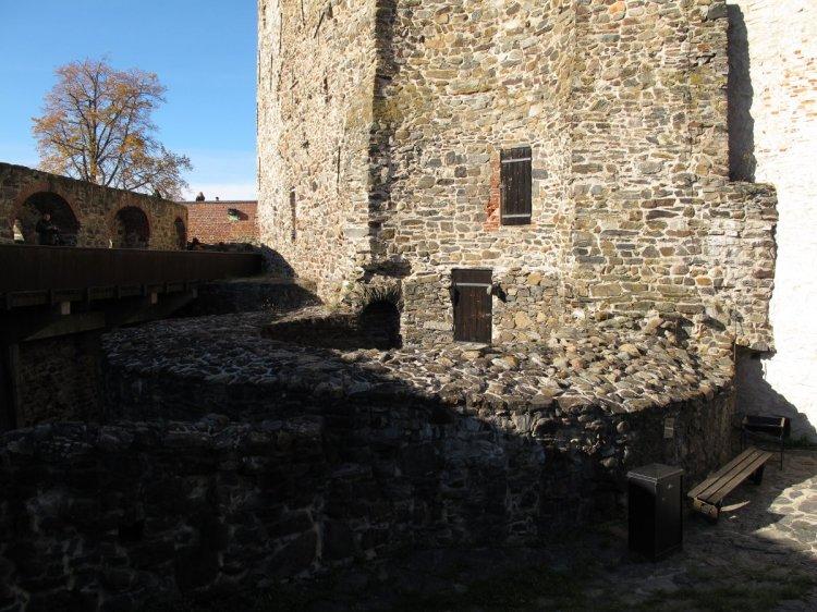 Развалины башни