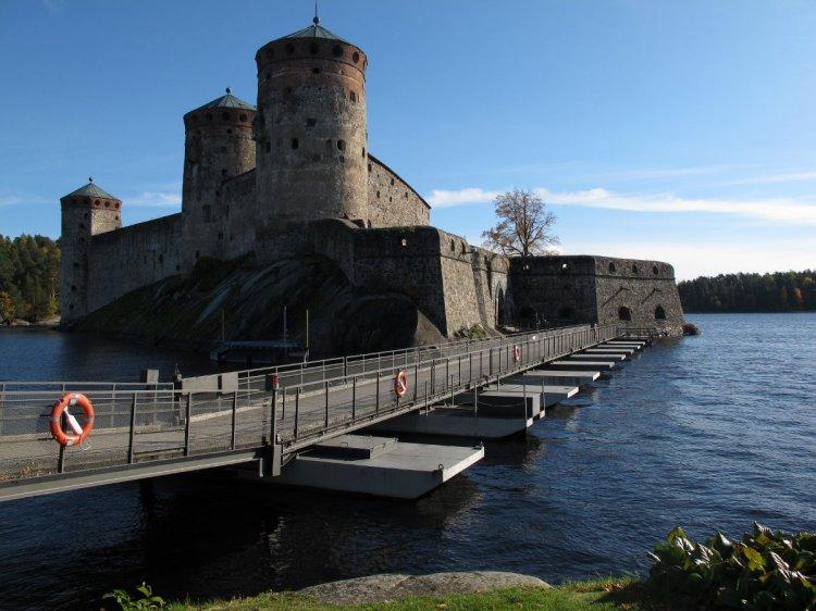 Плавучий мост в крепость
