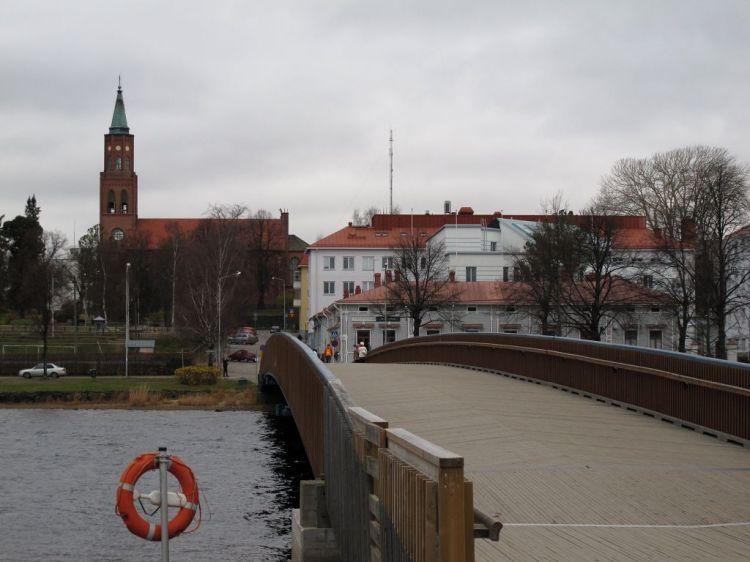 Мост и собор