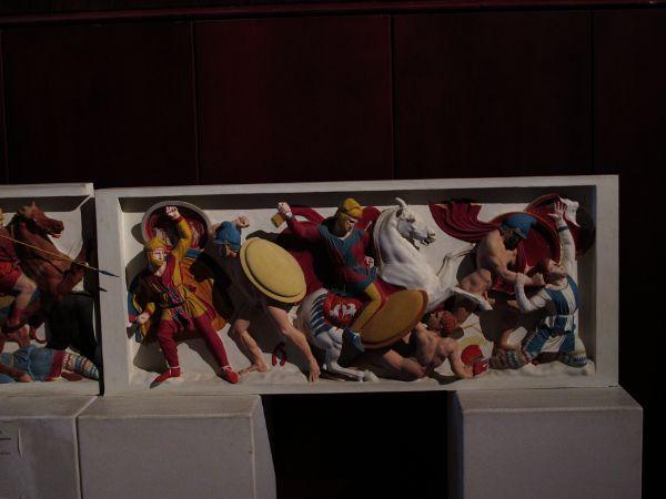 Реставрация барельефа на саркофаге