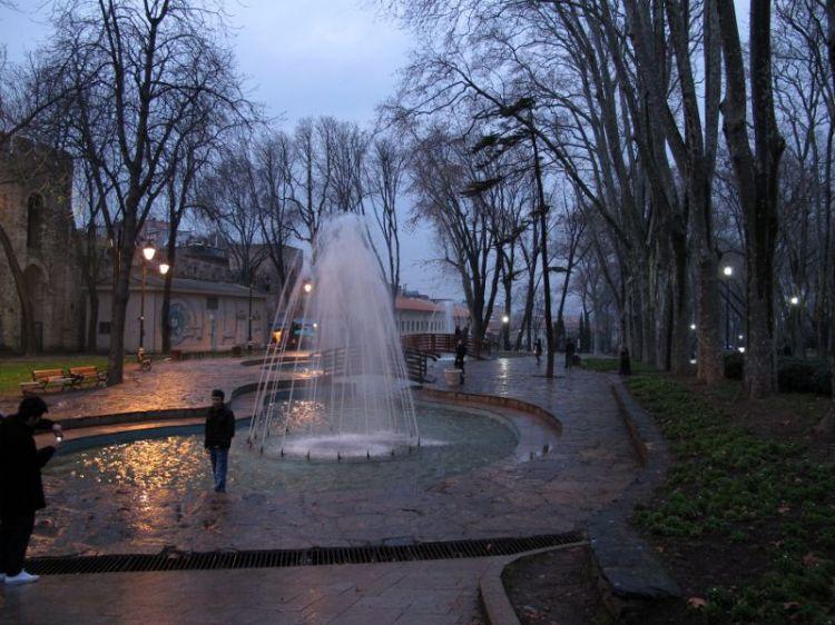 Фонтан в парке Гюльханэ