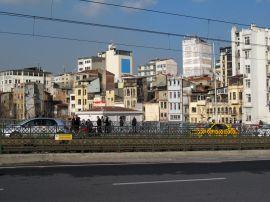 Вид слева от Галатского моста