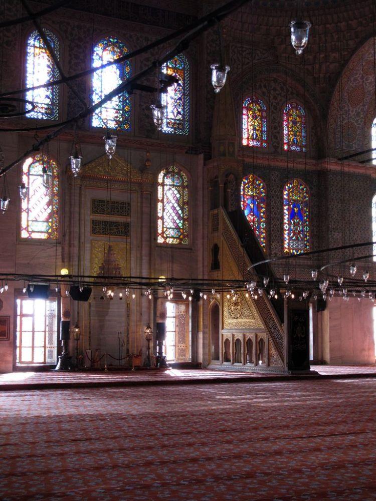 Минбар в мечети