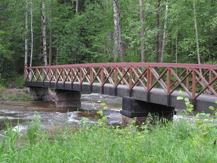 Такие мосты перекинуты с острова на остров