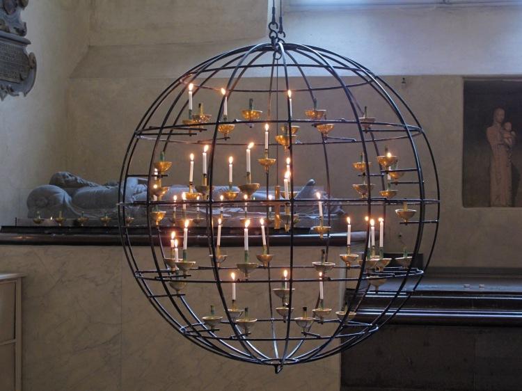 Пример современного дизайна в соборе