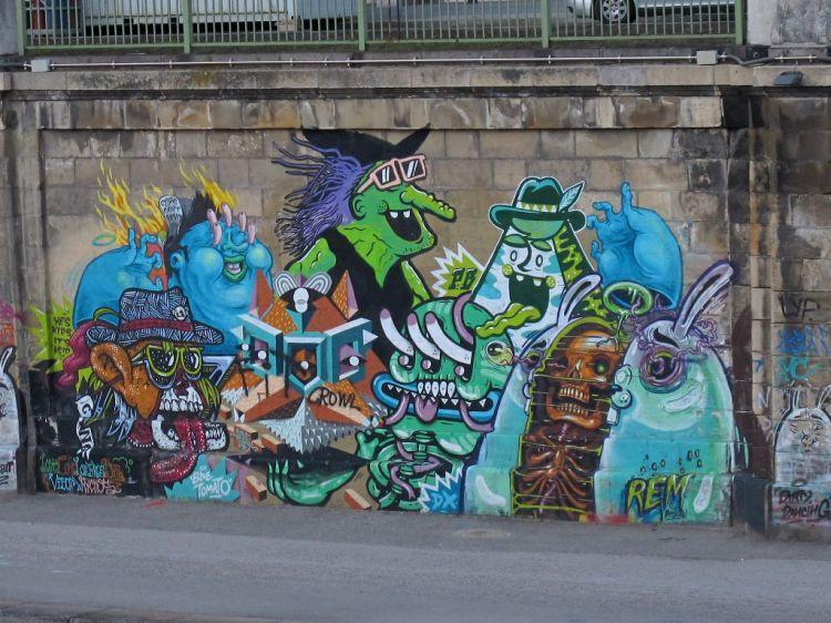 Граффити монстров