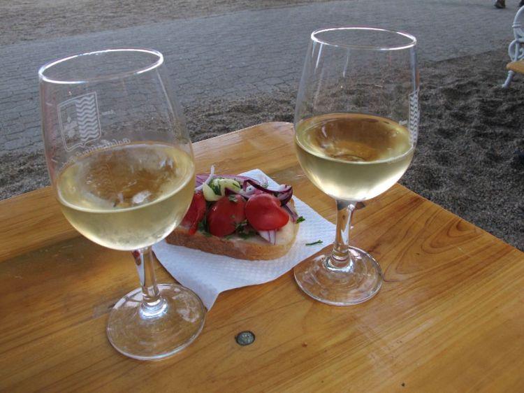Легкий ужин с вином