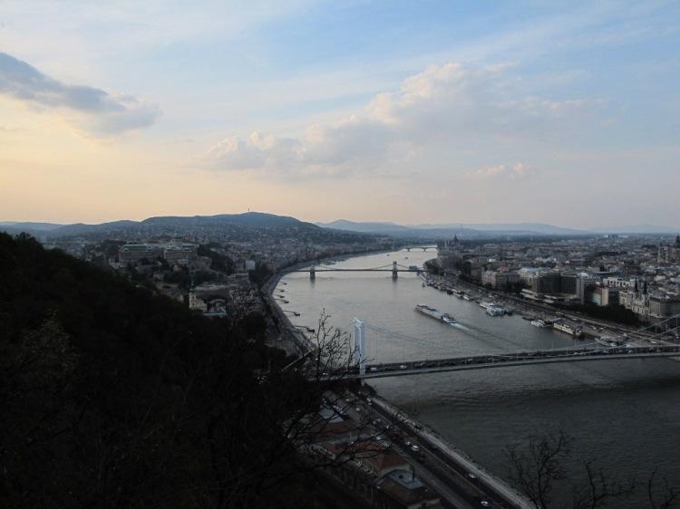 Вид на Дунай и Пешт 2