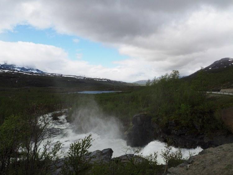 Брызги водопада