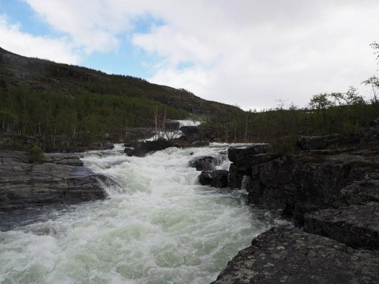 Речка к водопаду