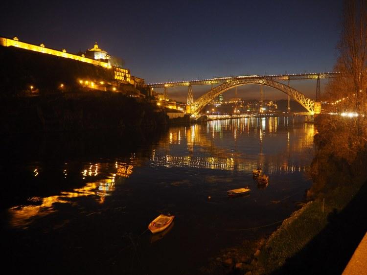 Ночной Порту